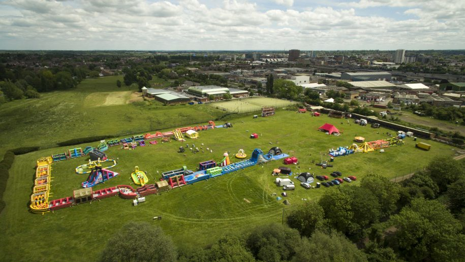 Kempton Park Racecourse welcomes The Labyrinth Challenge