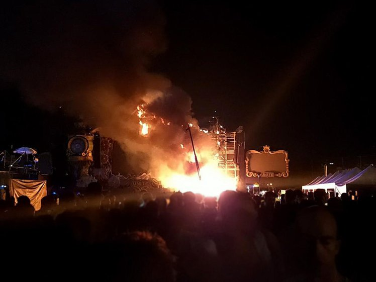 Thousands evacuated from Tomorrowland Unite after fire on main stage